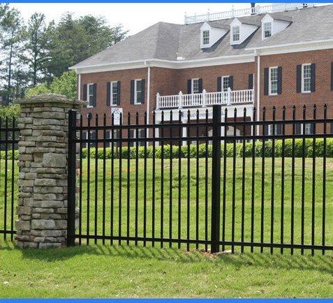 Cum alegi un gard potrivit pentru casa ta?